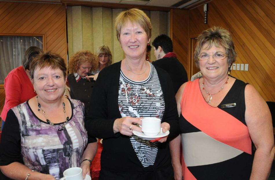 Linda Partridge of Dunedin, Jan Butcher of Mosgiel, and Robyn Williams of Doctors Point.