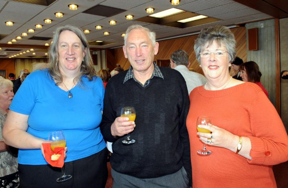 Margaret Dyett with Graeme and Robyn Thorburn, all of Dunedin.