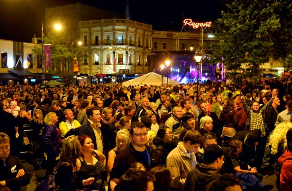 The Octagon crowd welcomes in the new year in Dunedin. Photo Gerard O'Brien