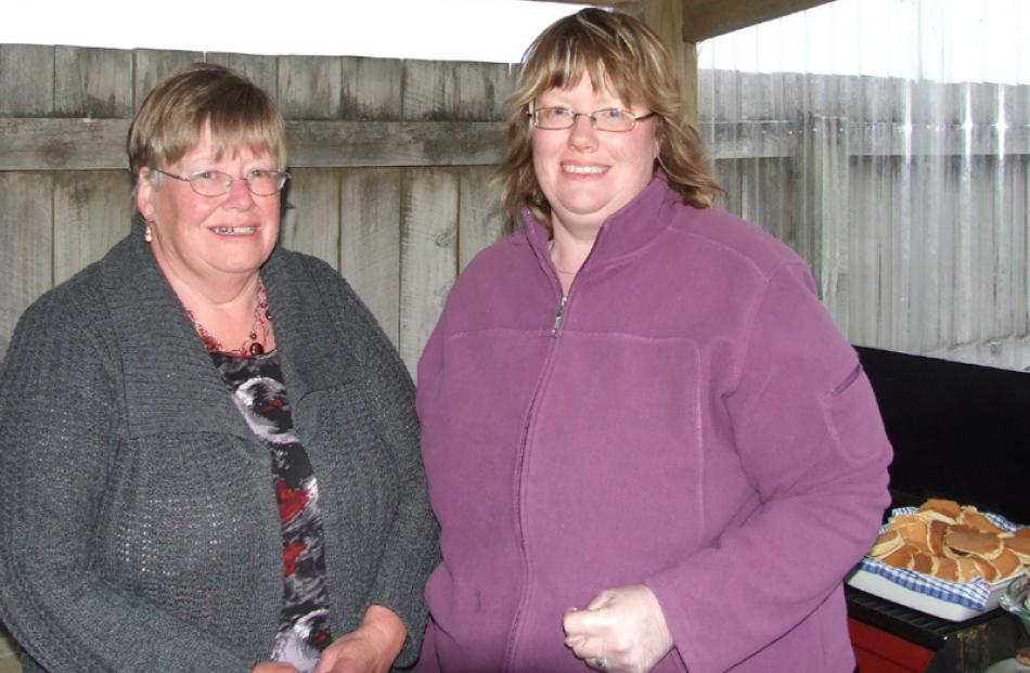 Alix Shanks and Bronwyn Sellwood, both of Balclutha.