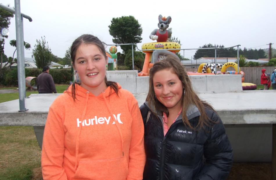 Sinead Clark (15), of Balclutha, and Jessie Clark (16), of Newhaven.