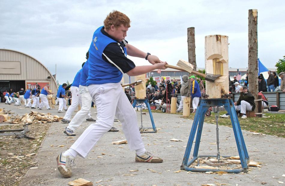Photojournalism Prints  Champion:  'Georgie McKie, Christchurch'  Plenty of Grunt