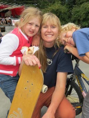 Tobi Fraser (7), Sharon White and Tyler Fraser (8), all of Queenstown.