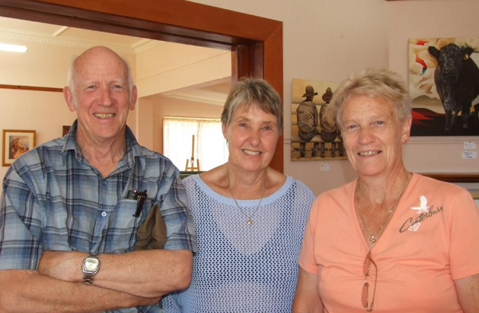 Bryan and Ruth Foster of Dunedin, and Lynn Jenkins of Mosgiel.