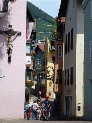 Street scene of Klausen, Italy. Photos by Marjorie Cook.