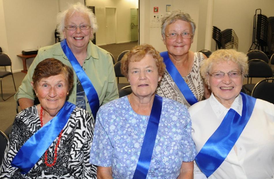 Lorraine David, Thelma Hoskin, Adrienne Mason, Jan Moore and June Rapson, all of Waikouaiti.