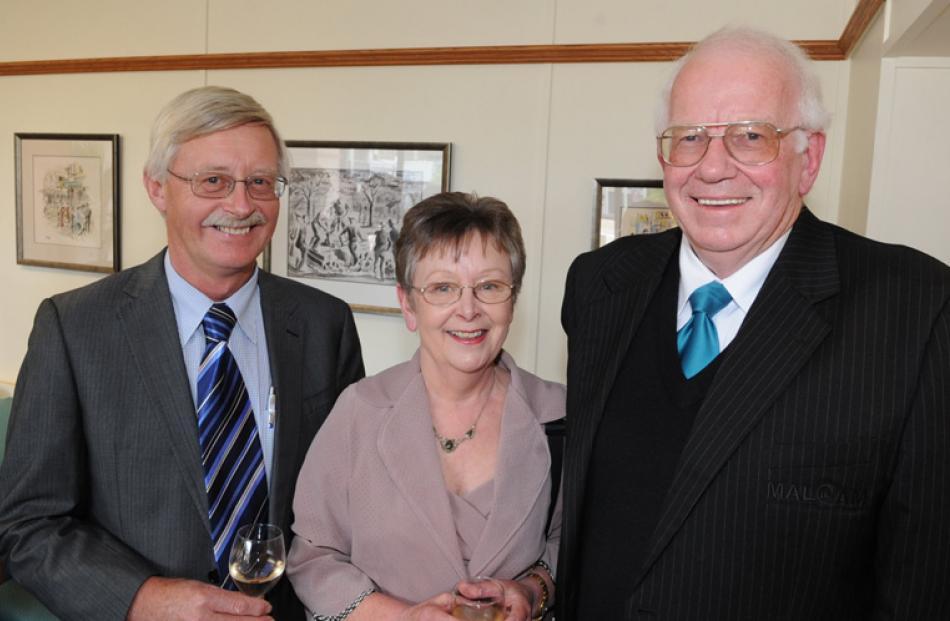 Deputy mayor Chris Staynes, Annabel Cameron and her husband, Malcolm Cameron QSM, of Dunedin.