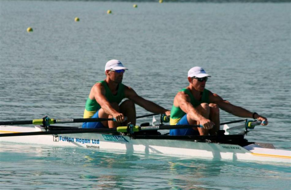 The Dunstan Arm club double sculls of Doug Cryer (left) and Simon Smith qualify for the final.