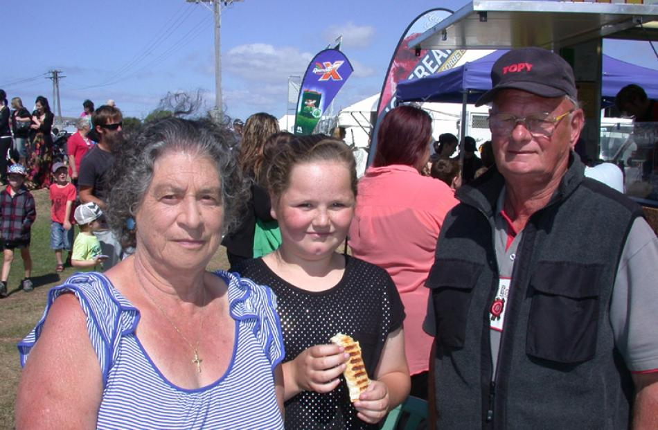 Marlene Gray, Rylee Hunt (10) and John Gray, of Oamaru.
