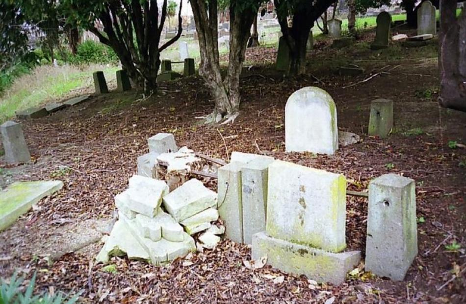 Chinese graves in 2004.