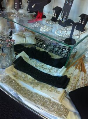 Bridal accessories at Je T'aime