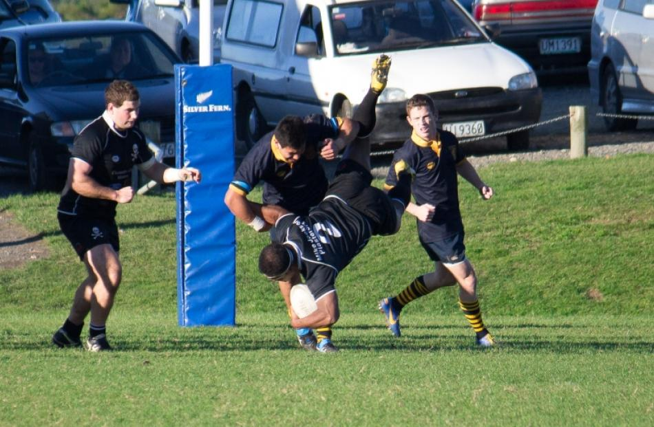 Pep Karalus Upends Jeke Maiono In Dunedin S 23 21 Win Over Pirates At Kettle Park