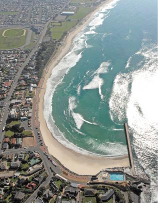 Breakwater-Beach