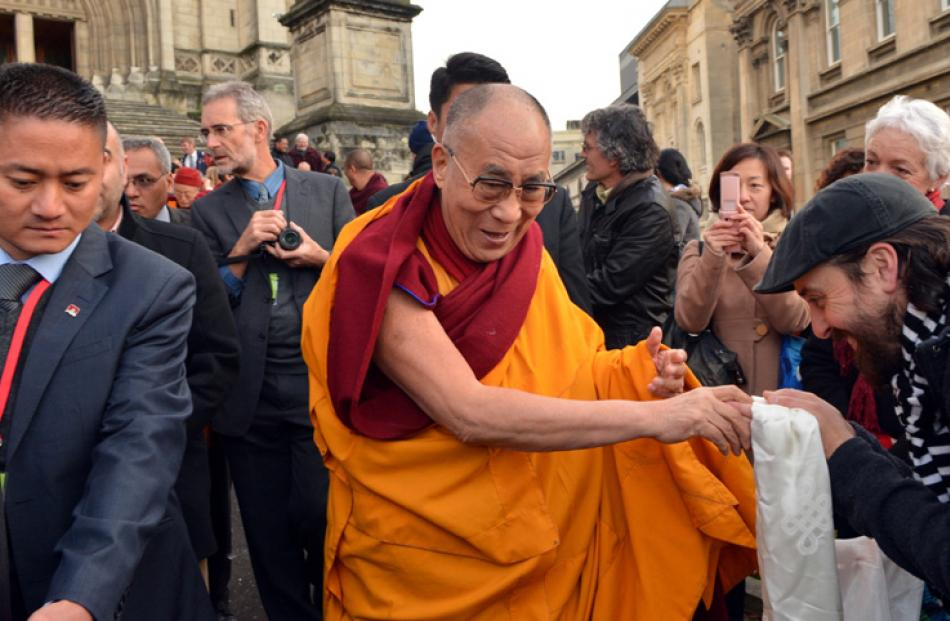The Dalai Lama meets Dunedin church representatives.
