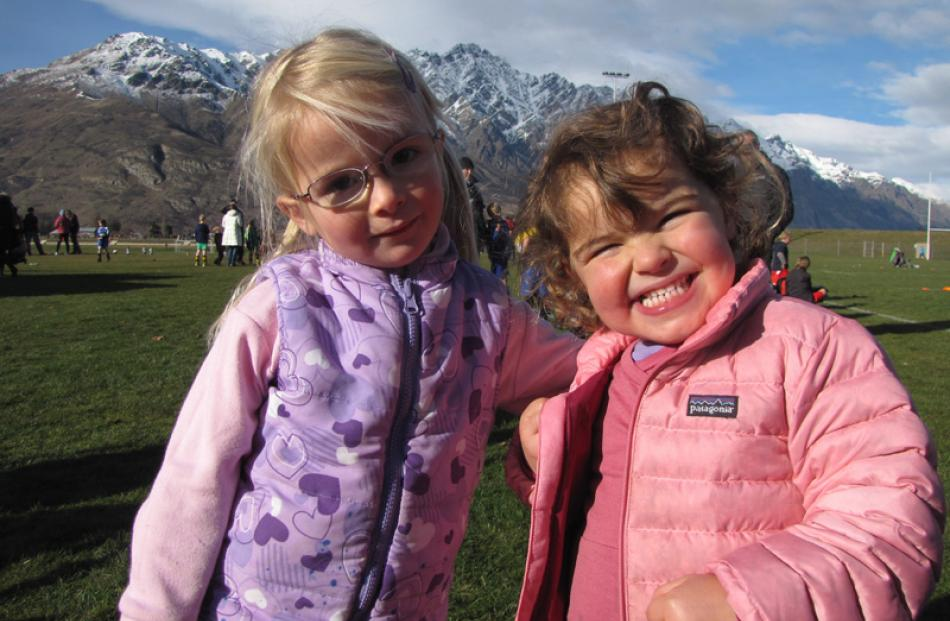 Sophie Campbell (3), of Queenstown, left, with Chloe Velenski (3), of Cromwell.