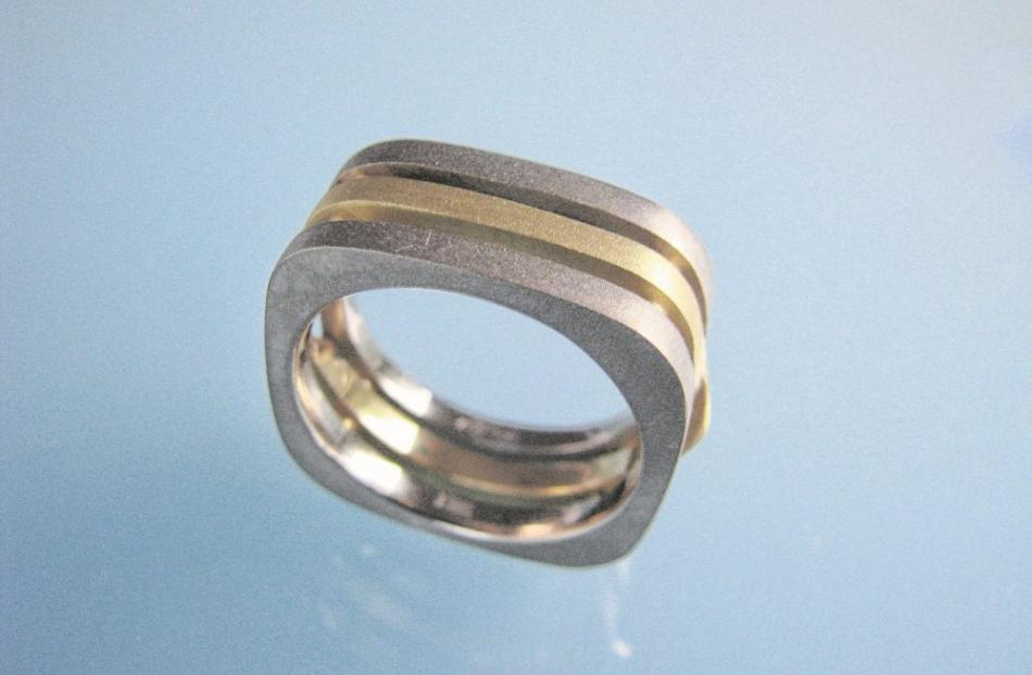 Sandblasted 18ct yellow and white gold ring by Chris Idour.