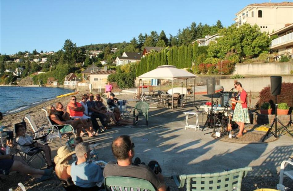 Ms van Riel performs a beach concert in Tacoma, Washington.
