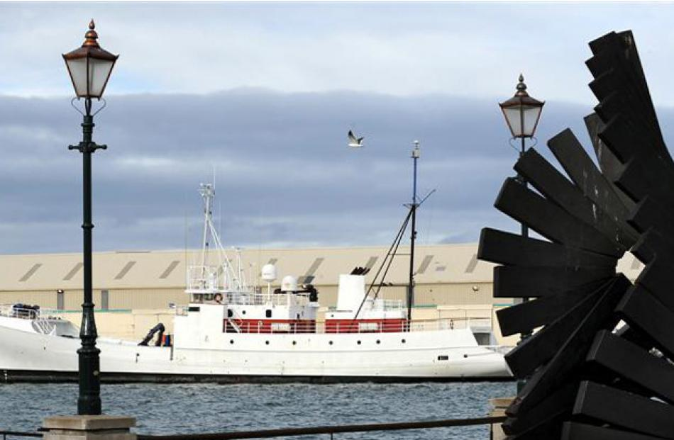 Ship 'Townsend Cromwell', bought $826,000, sold for $650,000.