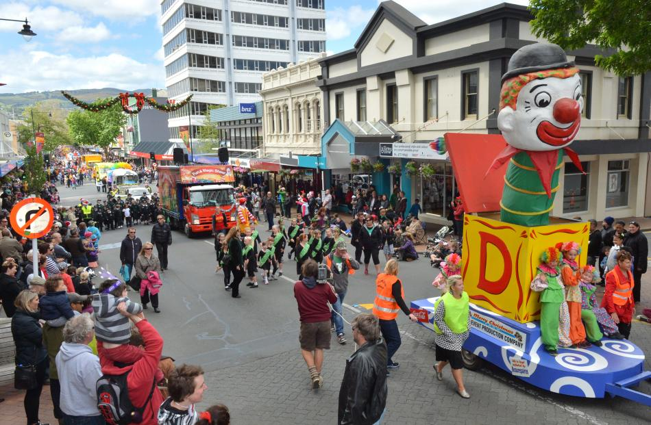 Some of the floats travelling down George St.