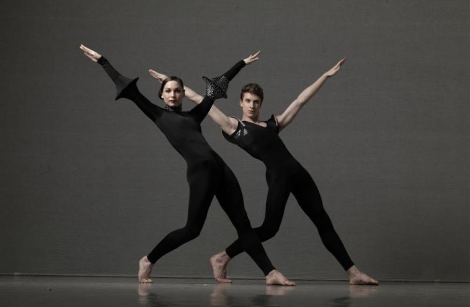The Royal NZ Ballet.