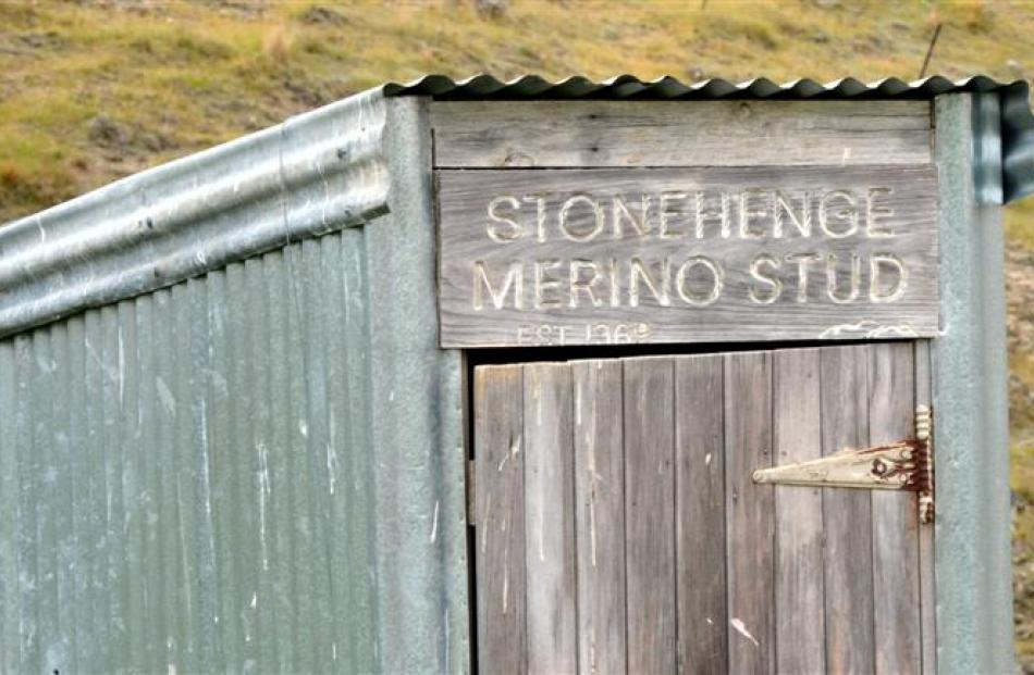 Sign-writing on the long-drop at the old Deep Creek hut.