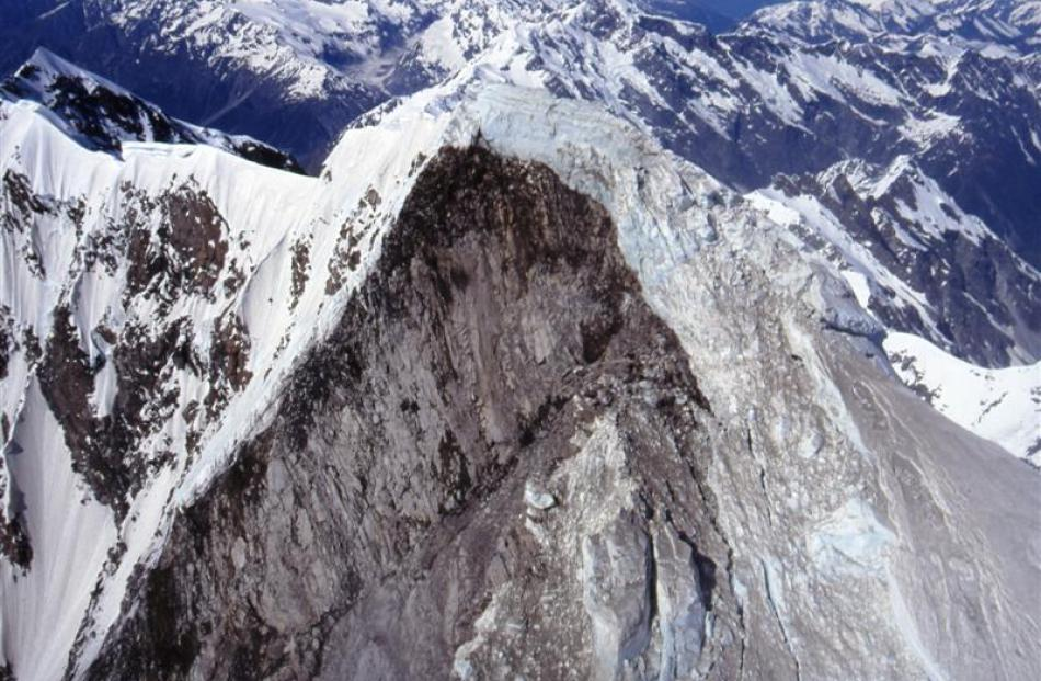 This huge slip on Mt Cook, which occurred in 1991, has  affected the overall height of the mountain.