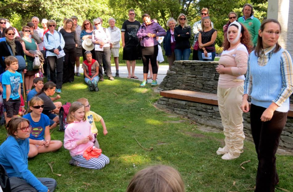 The crowd enjoys watching Jane Robertson as the flamboyant Edina and Nicky Busst as dowdy...