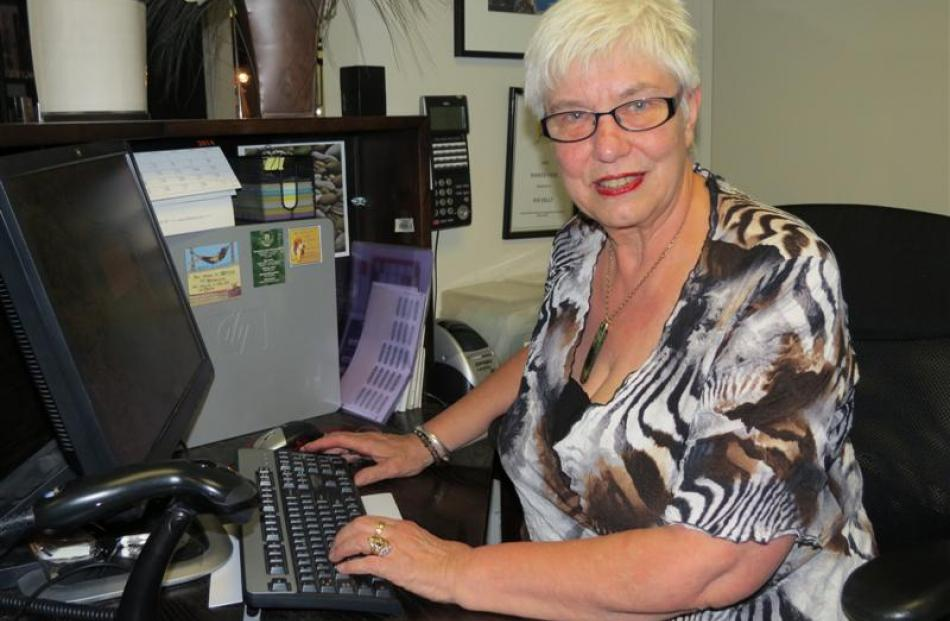 Sue Kelly, who joins family in Hamilton, was paid tribute by  Resort College chiefs during the...