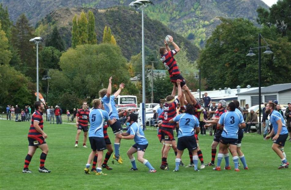 Arrowtown  secures the ball from a line-out.