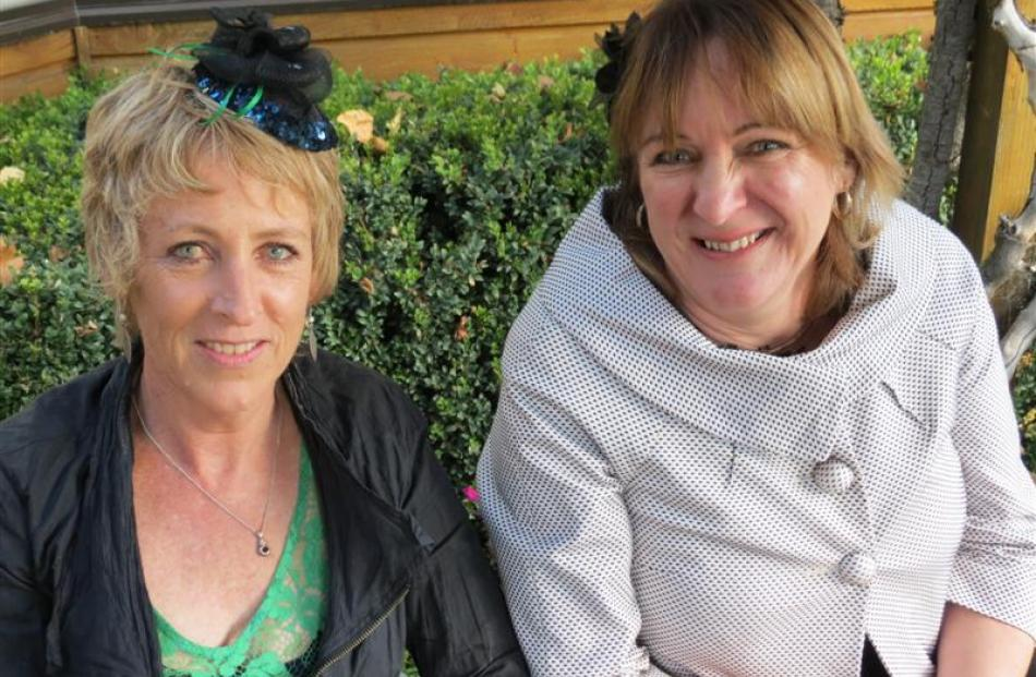 Annie Cavanagh and Sheryll FordeTony Perriam and Dianne Douglas, both of Invercargill.