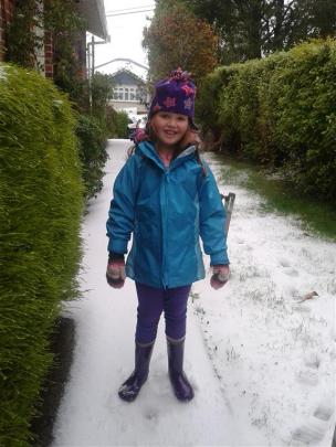 Eva Ablett-Hampson age 7 enjoying the snow in Wakari.