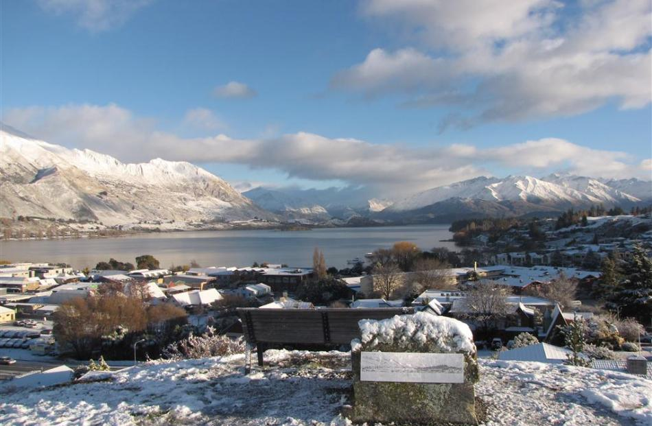 Wanaka looking lovely in the snow. Photo by Lucy Ibbotson
