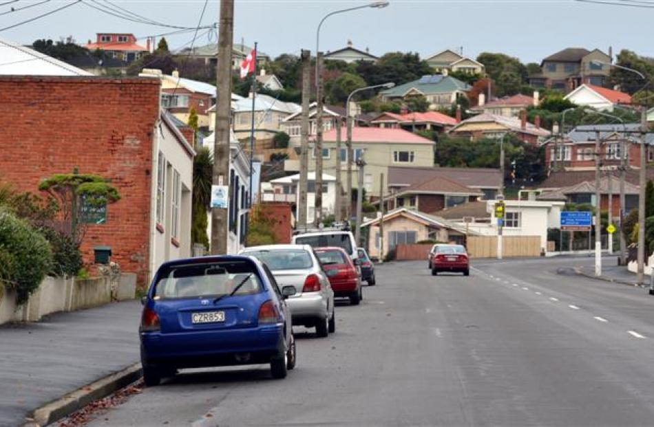 A shared path will be installed on the uphill  section of Silverton St.