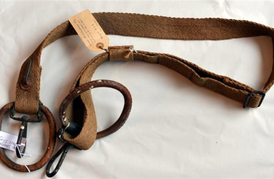 German stretcherbearer's sling woven from brown paper  during the 1914-18 war.
