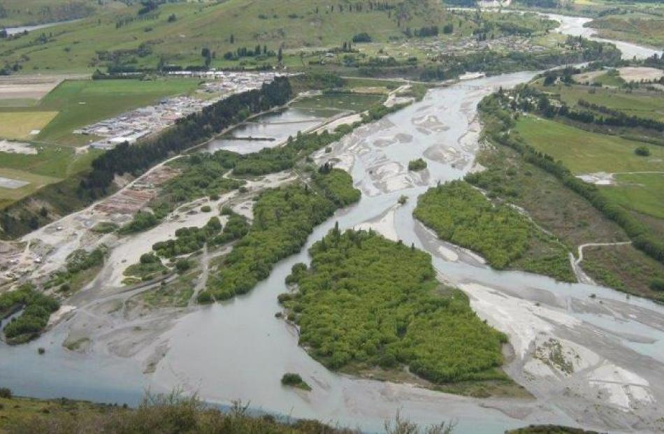 The Shotover River delta in 2006, before the construction of the training line. Photos by ORC.