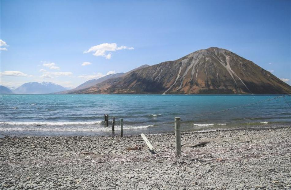 Lake Ohau and the Ben Ohau Range.