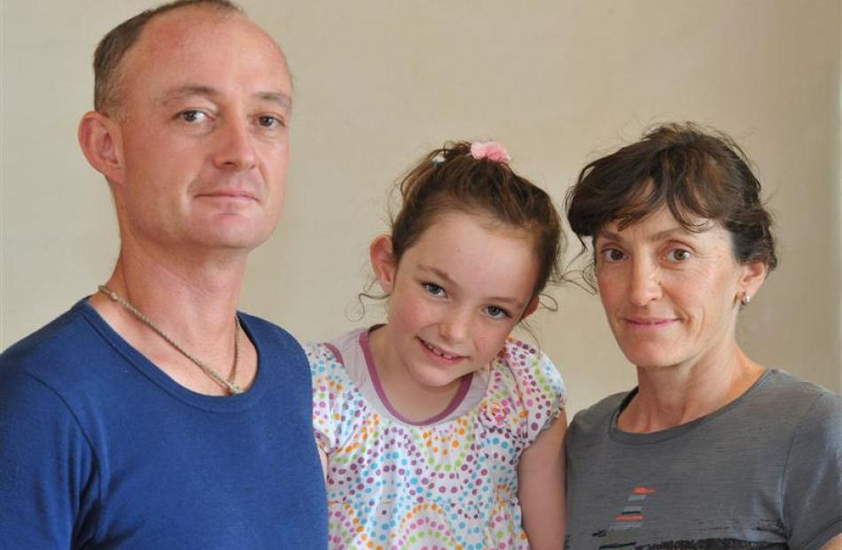 Warren Cullen and Eileen Dawber with daughter Pania (6).