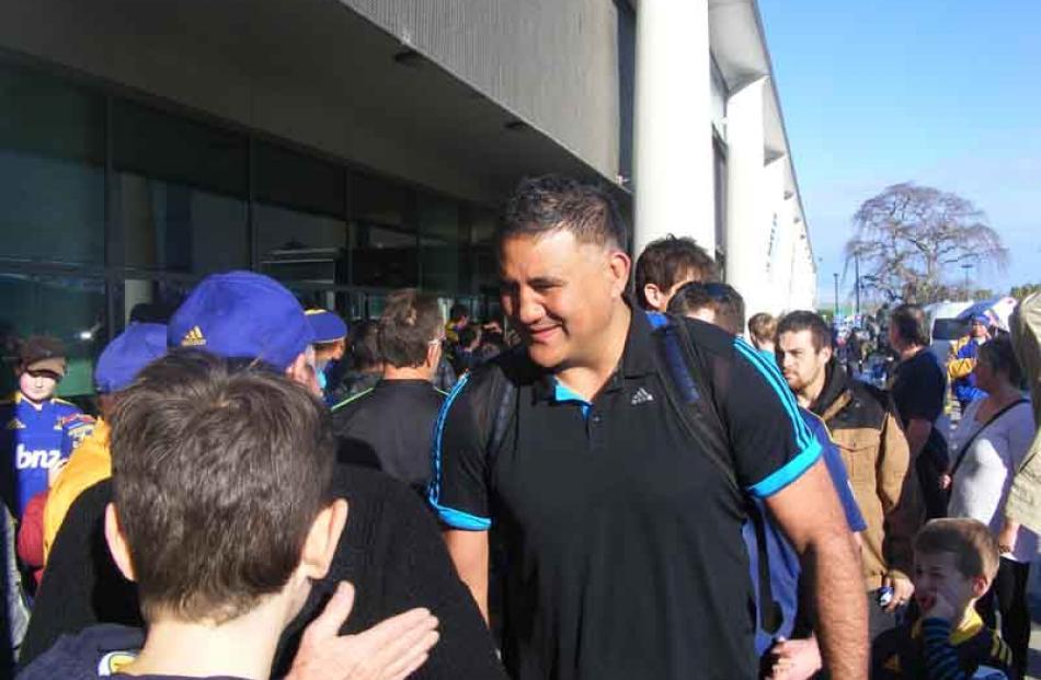 Jamie Joseph meets fans.