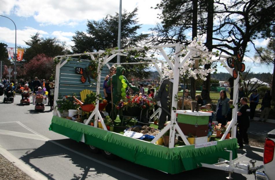 The Alexandra Garden Club float during the Grand Parade.