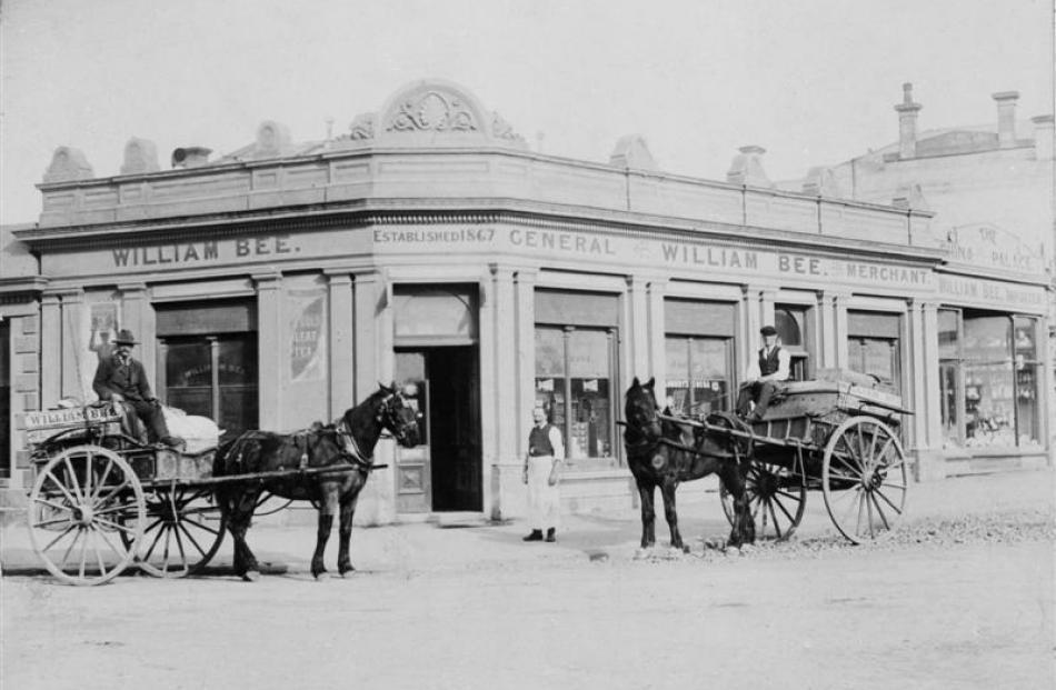 William Bee's Store, circa 1900. Photo by Waitaki District Archives.