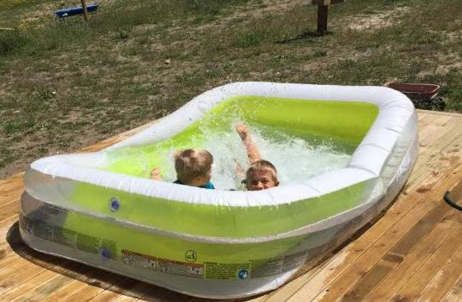 Kids having a great time cooling off. Photo: Nicole Broekhuyse