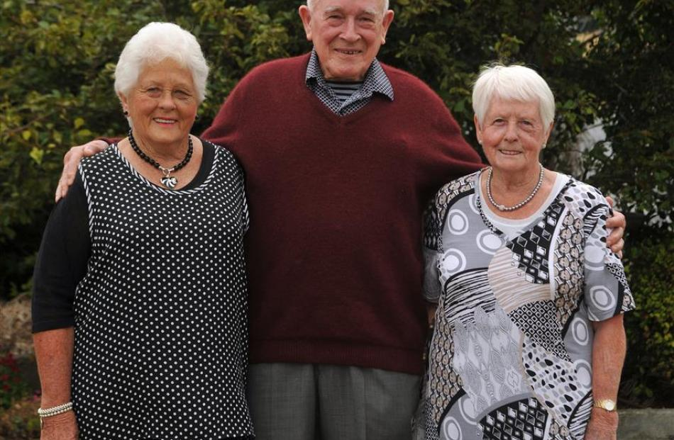 Grandchildren of John Anderson jun, thought to have been the first European child born in Dunedin...