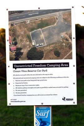 A sign showing the rules of freedom camping at the reserve.