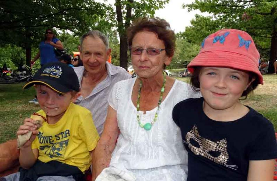 Leo (6), Eoin, Noeline and Honor (7) Garden, of Millers Flat.