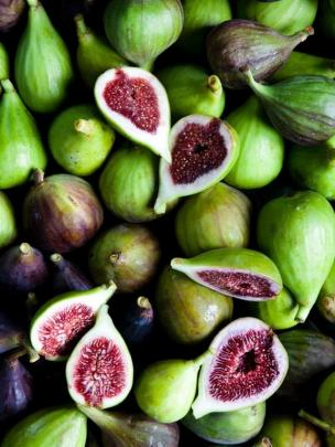 A range of figs including Adriatic (cut open), Brown Turkey and Brunoro Black. Photo: supplied