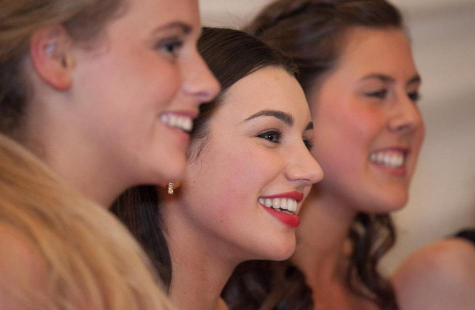 St Hilda's Collegiate's 2015 formal. Photos by Kelk Photography.