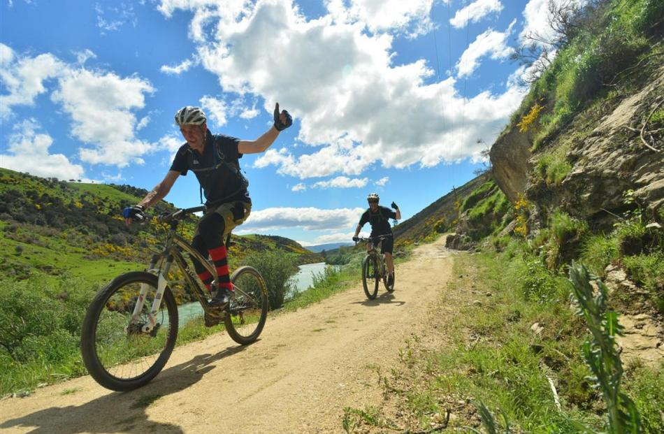 The Clutha Gold trail winds down beside the Clutha River from Roxburgh to Beaumont. Photo by...