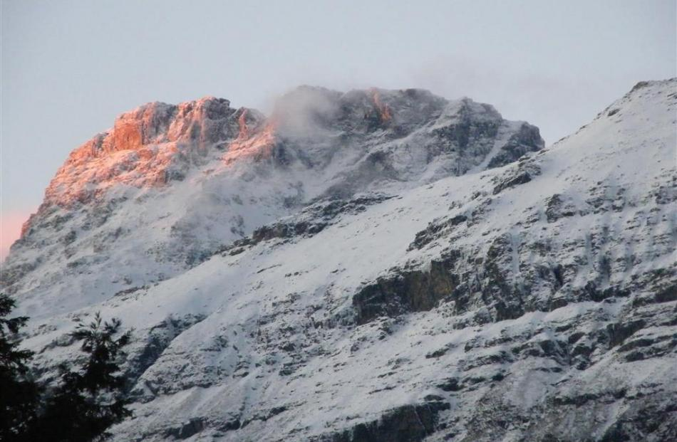 Turret Head provides a winter welcome on the western side of Mt Earnslaw, Paradise. Photo by Nuno...