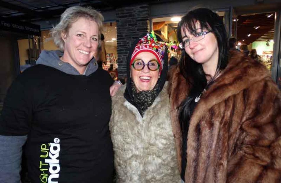 Mandy Enoka, Carol Little and Ruth Thomson, all of Wanaka.
