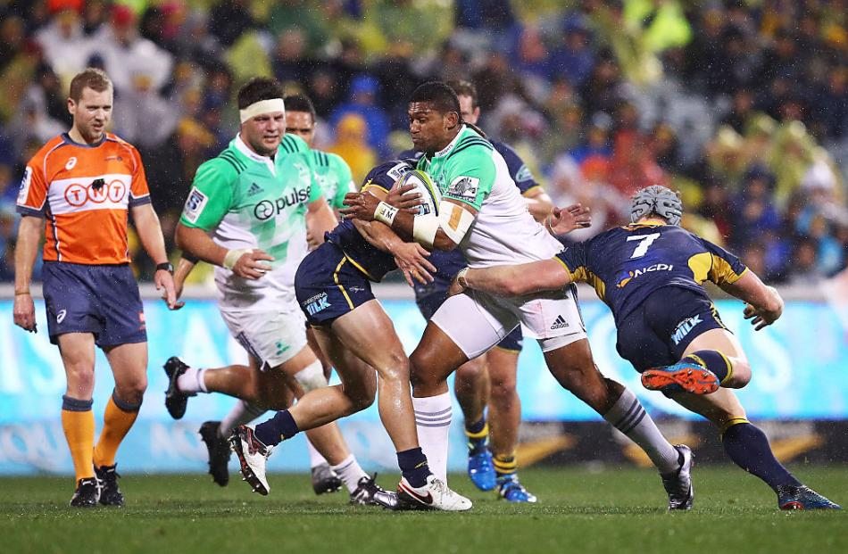 Waisake Naholo takes the ball into contact for the Highlanders. Photo: Getty Images
